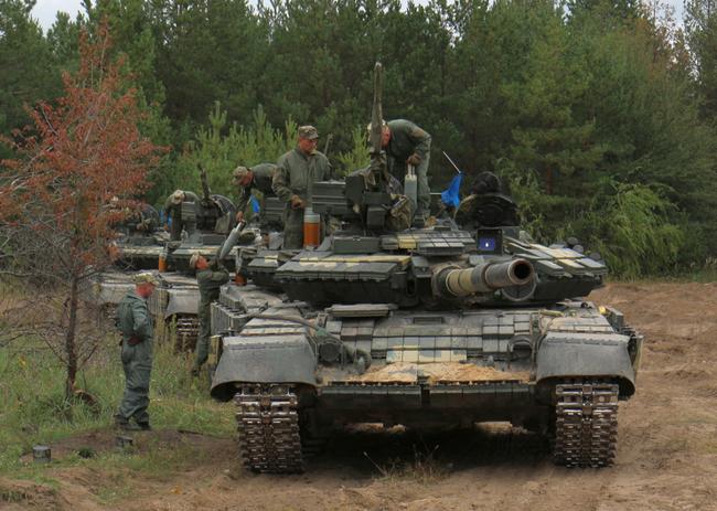 Украинские «воины-танкисты» провели конкурс налучший танковый взвод