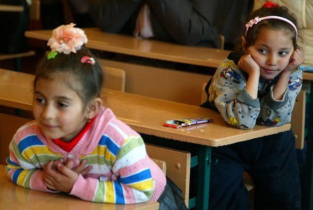 На Перечинщині дітей-ромів змусять відвідувати школи?
