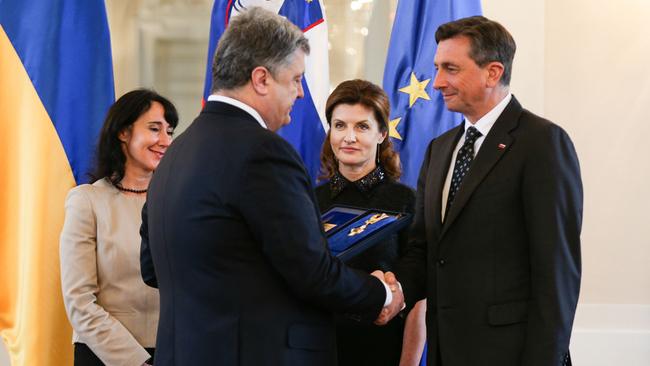 Украина иСловения подписали меморандумы поэнергетики изащите покупателей,— Порошенко