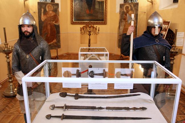 Балти на службі київському князю Ярославу Мудрому