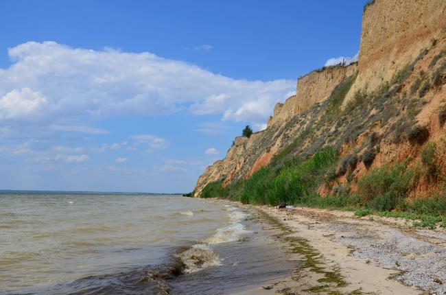 Украина направила десять ж/д эшелонов для укрепления границы сКрымом