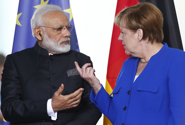 Путин объявил оботсутствии уРФ предпочтений относительно будущего канцлера Германии