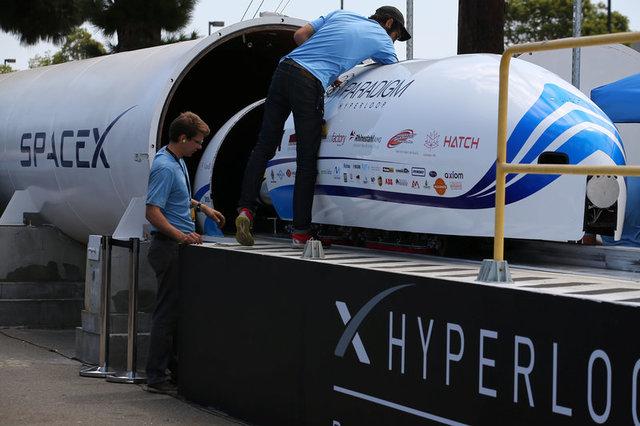 Система Hyperloop побила очередной рекорд скорости