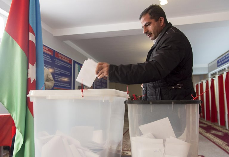 ВАзербайджані проходять парламентські вибори, уяких небере участь опозиція