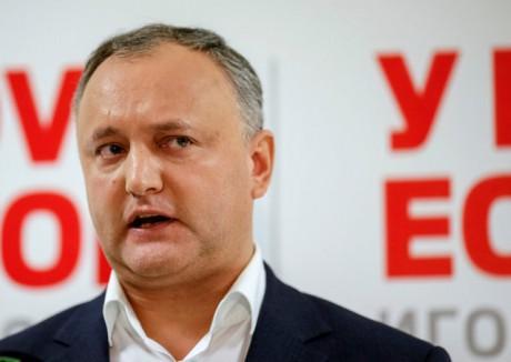 УМолдові суд призупинив президентські повноваження Додона