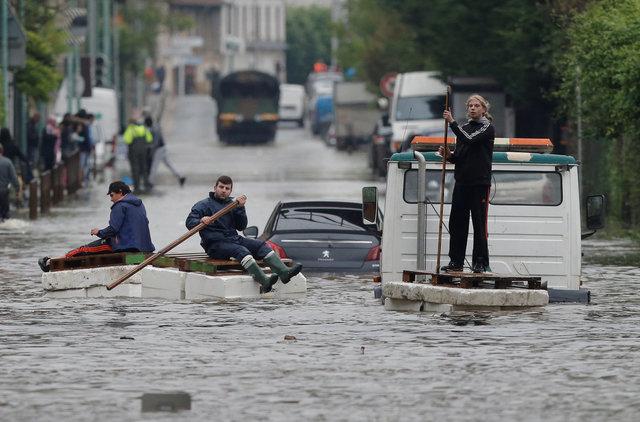 ВЛувре из-за наводнения эвакуируют экспонаты