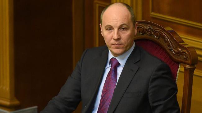 Парубий обещает визовый режим для граждан России после задержания Сущенко в российской столице
