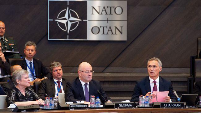 Столтенберг объявил опланах НАТО «срочно» увеличить инвестиции воборону