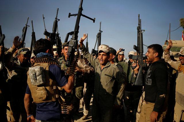 ООН: Боевики ИГИЛ казнили сотни людей вМосуле, активно вербуют детей