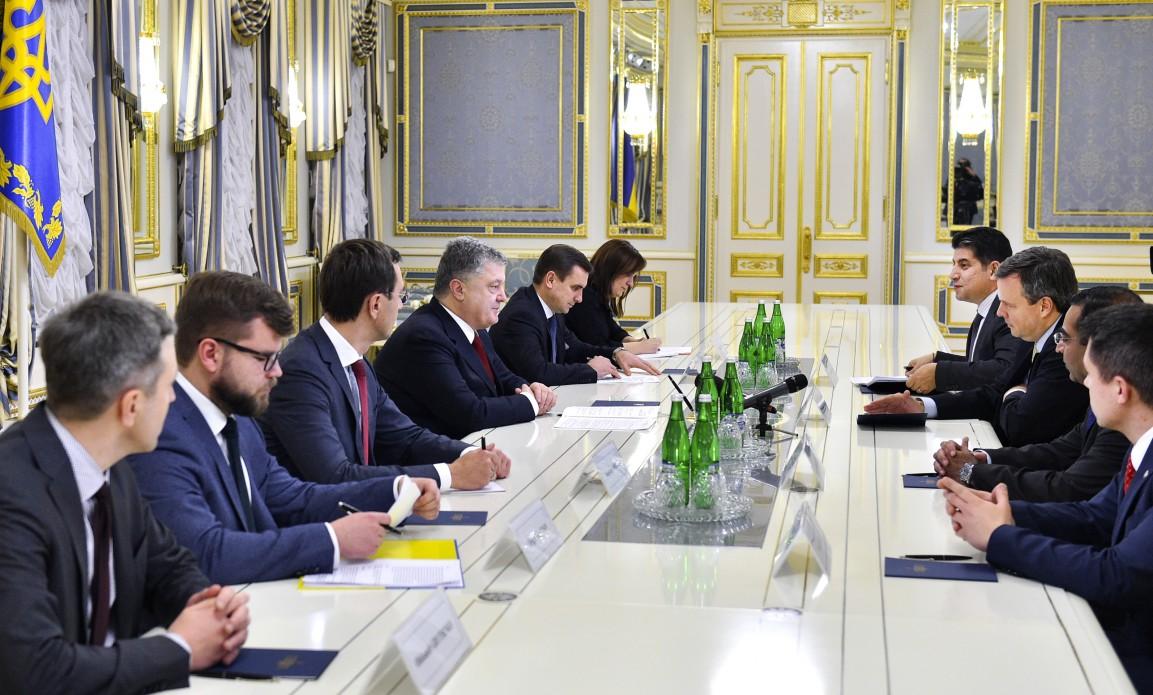 Порошенко обсудил спредставителем General Electric модификацию «Укрзализныци»