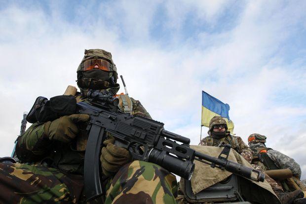 В итоге обстрела Николаевки повреждены дома илинии электропередач