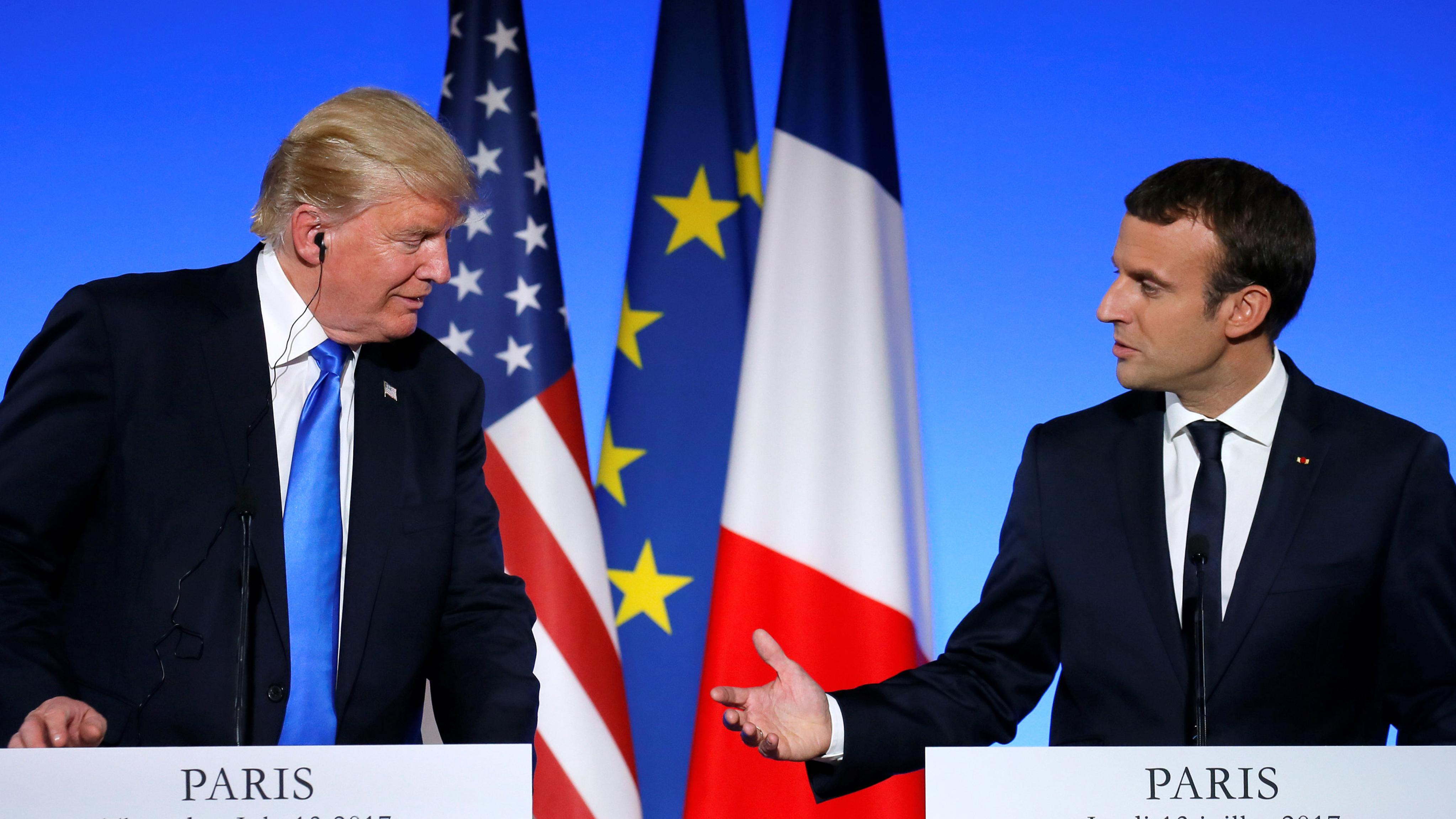 Трамп иМакрон обсудили потелефону урегулирование вСирии иИраке