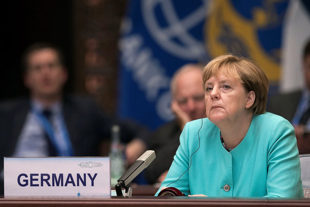 Путин может воздействовать наустановление перемирия вАлеппо— Меркель