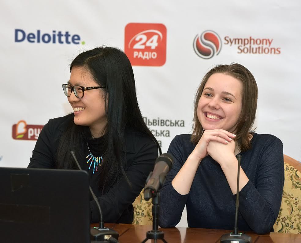 Музычук и Хоу Ифань завершили вничью четвертую партию за шахматный титул чемпионки мира