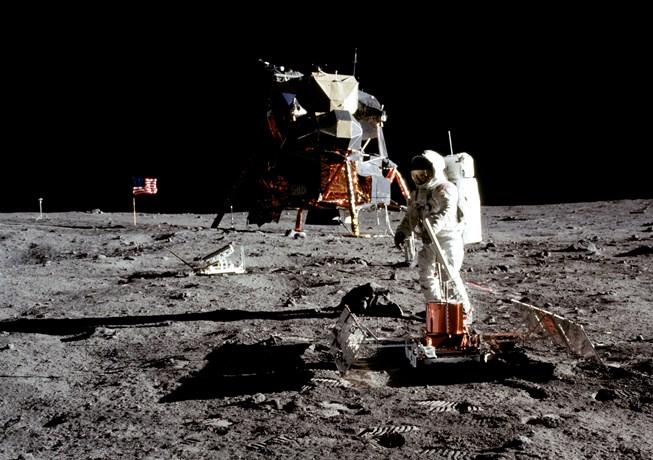 В США могут разрешить запуск первой частной миссии на Луну