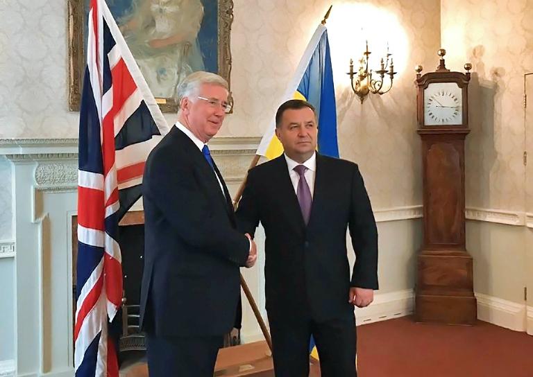 Полторак иминистр Вооруженных сил Англии  обсудили сотрудничество оборонных ведомств