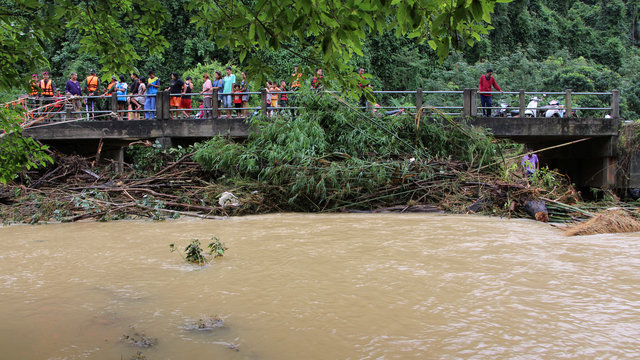 Наводнения забрали жизни 11 человек наюге Таиланда