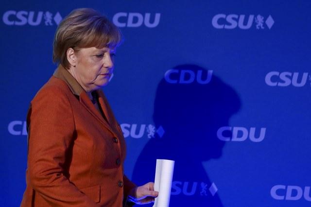 Меркель призвала В. Путина воздействовать набоевиков наДонбассе