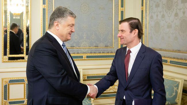 Замгоссекретаря США встречался сведущими кандидатами впрезиденты Украины
