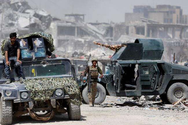 Супруги боевиков стреляют виракских солдат, прикрываясь своими детьми— Мосул