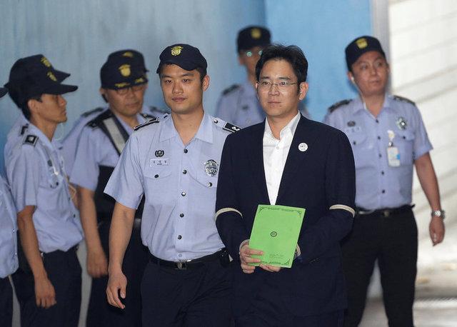 Прокуратура Южной Кореи потребовала 12 лет тюрьмы для экс-главы Samsung