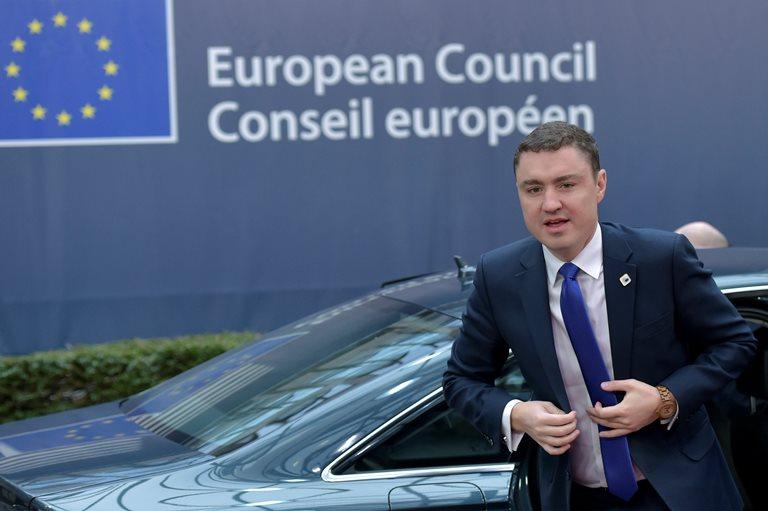 ВЭстонии правящая коалиция поддержала вотум недоверия премьеру