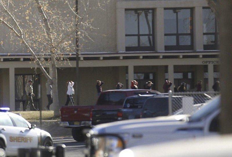 При стрельбе вшколе вамериканском штате Нью-Мексико погибли трое