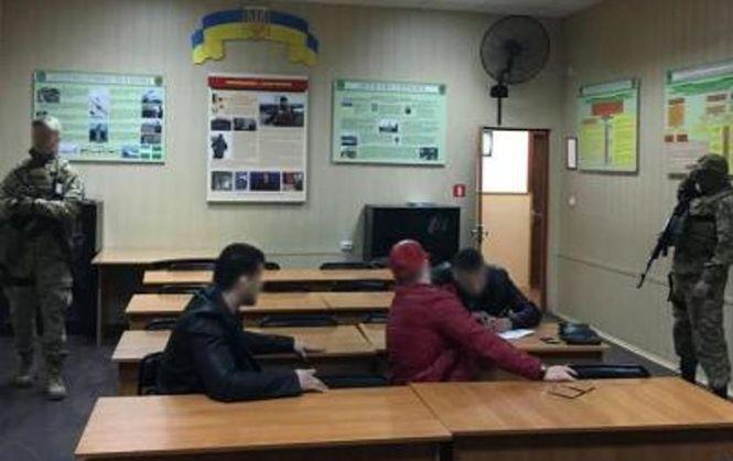 ВОдесском аэропорту задержали 2-х мужчин— Торговля людьми