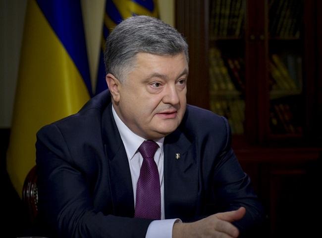 Порошенко: ВУкраїні маємо не«холодну», агарячу війну