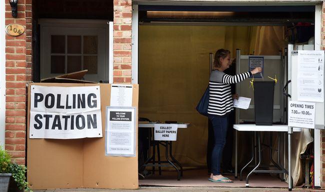 Тереза Мэй отдала голос навыборах вСоединенном Королевстве Великобритании