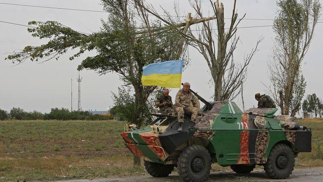 АТО: 18 обстрілів, бойовики застосували реактивну артилерію