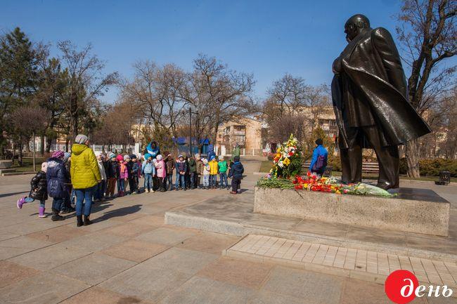 Сегодня в Украине отмечают 202 года со дня рождения Тараса Шевченко