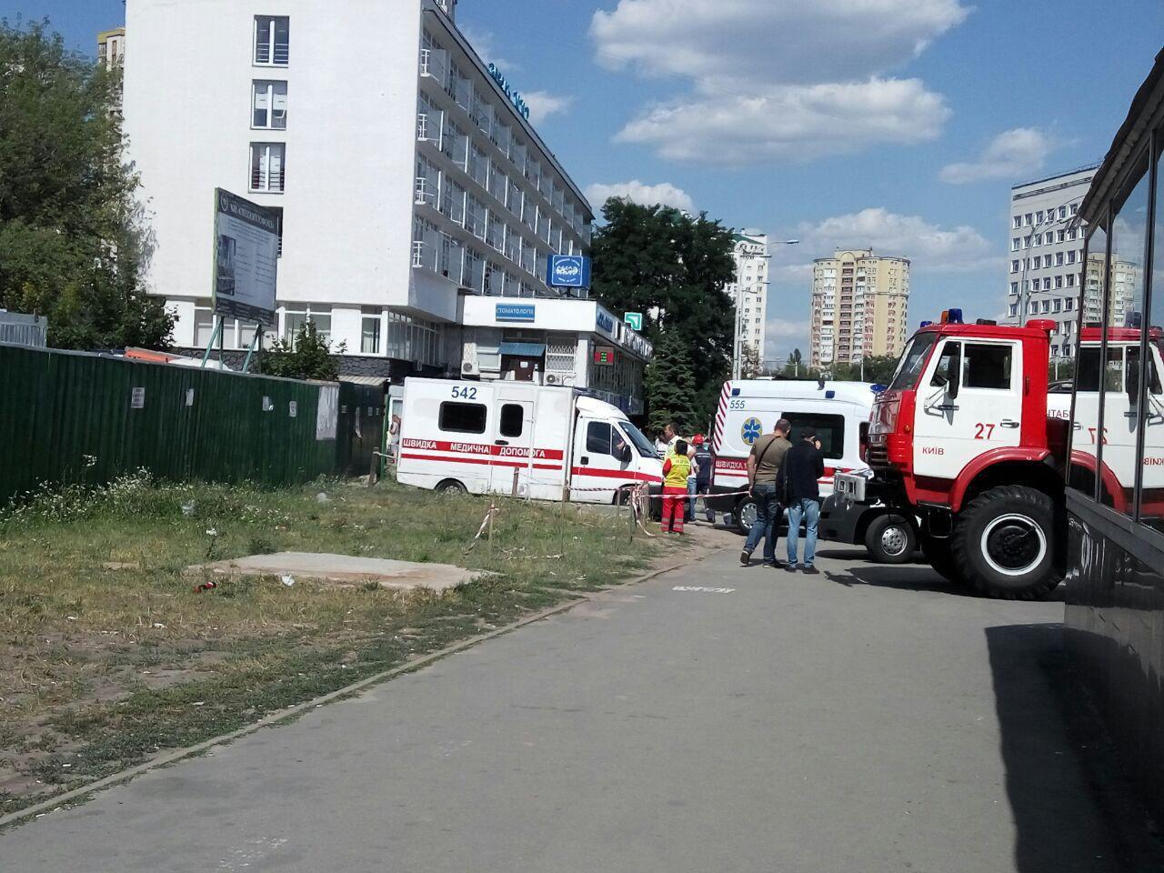 ВКиеве около гостиницы «Мир» произошел взрыв, есть жертва ипострадавшие