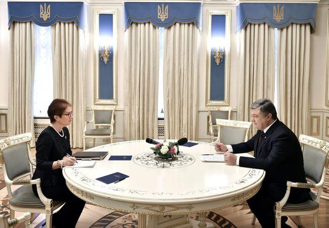 Порошенко пригласил Трампа на Украинское государство ипопросил помощи