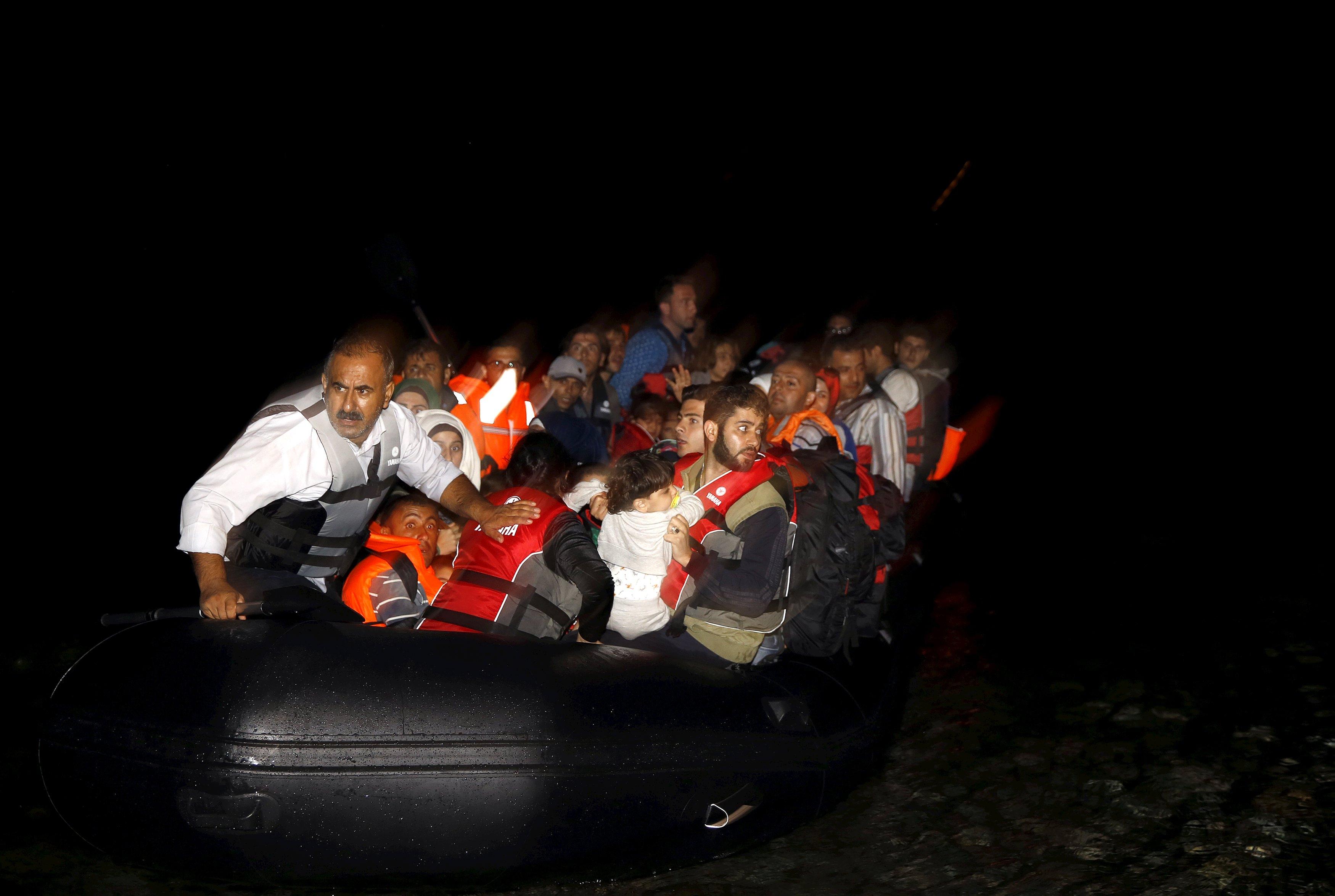 Біля берегів Греції затонув човен з мігрантами, 11 людей загинули