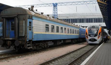 «Укрзализныця» переходит нановый график движения пассажирских поездов