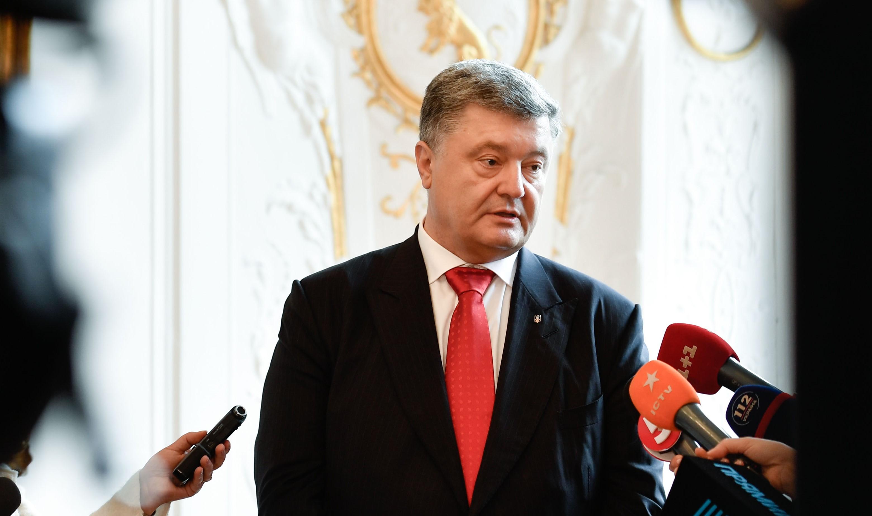 Порошенко обсудил сМеркель иМакроном подготовку встречи «Нормандской четвёрки»