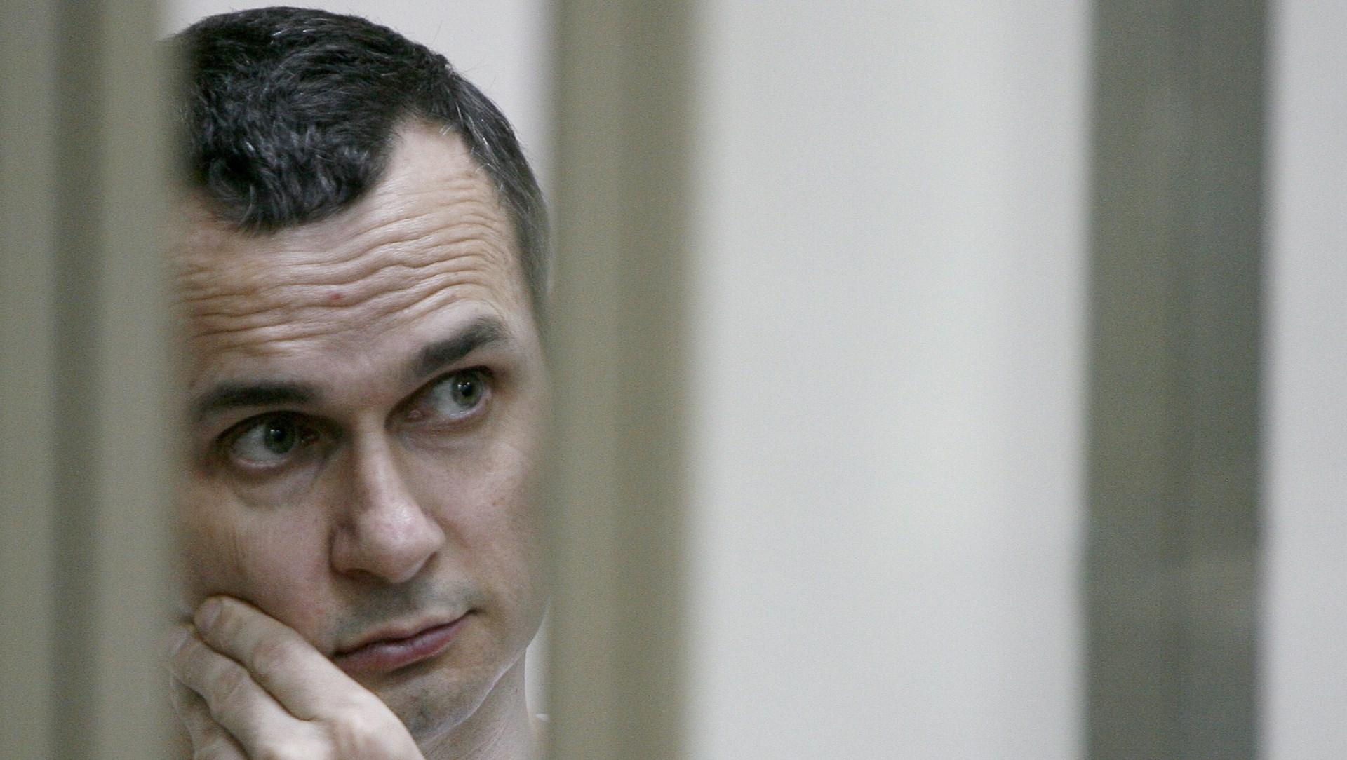 Неостановимся вборьбе засвободу Сенцова— Порошенко