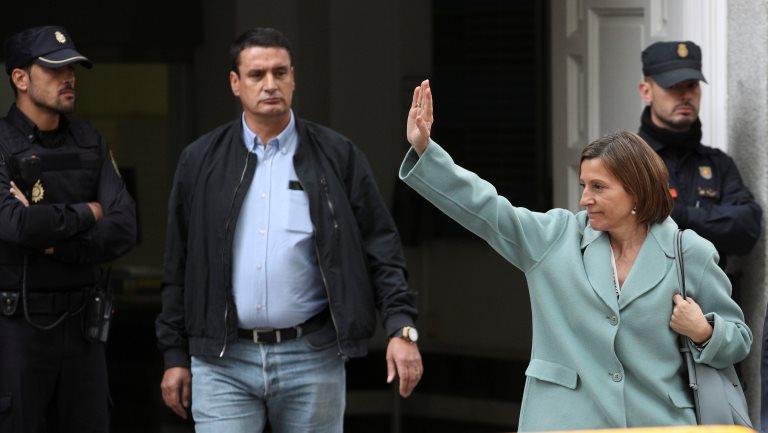 Голову парламенту Каталонії Карме Форкадель звільнили із в язниці  Алькала-Меко після внесення застави у розмірі 150 тисяч євро. Про це  повідомляє DW . 63b4551bc8336