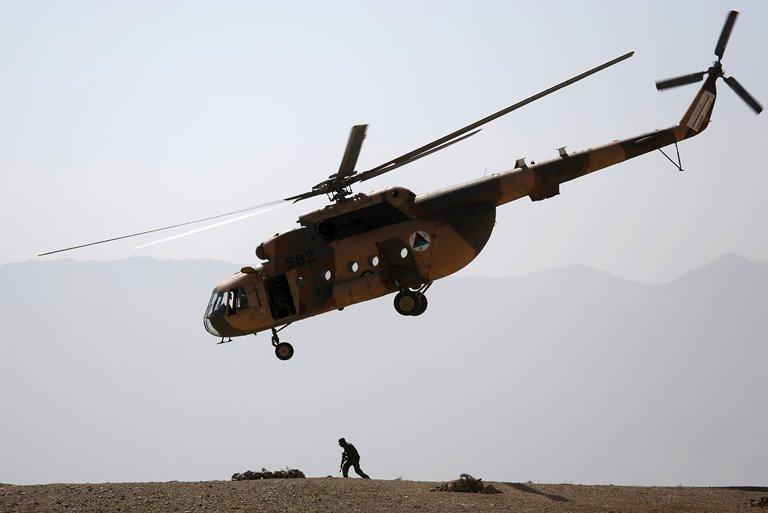 Російський військовий вертоліт вторгся вГрузію