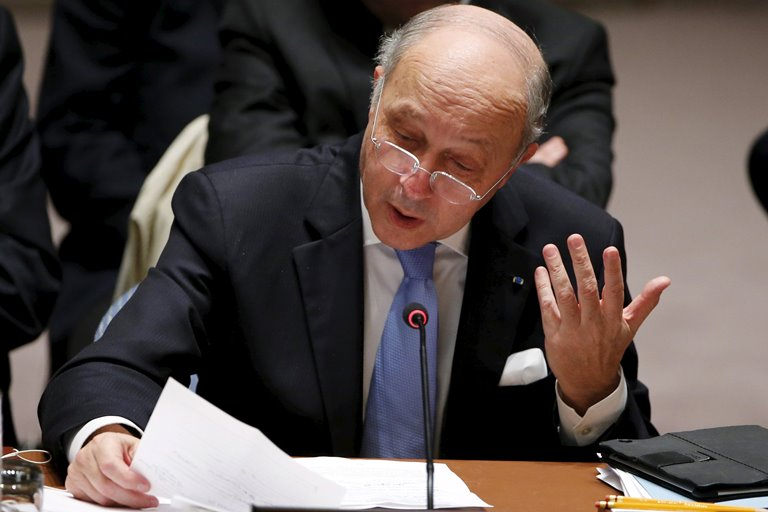 Франція закликала Росію припинити авіаудари уСирії