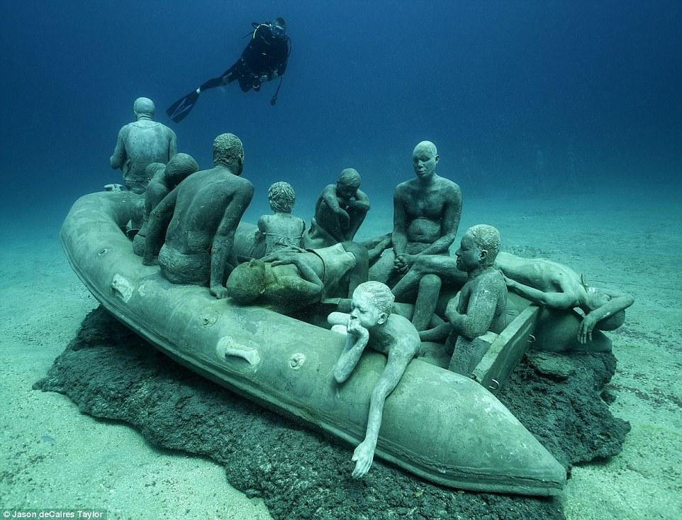 В Европе открылся первый подводный музей