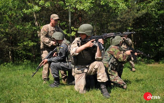 Наюге Украины начались учения морской пехоты
