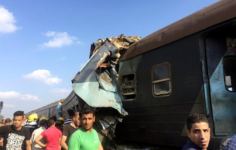 На півночі Єгипту внаслідок зіткнення двох потягів загинули 25 людей