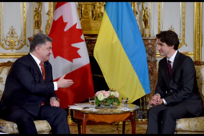 Порошенко предложил канадскому премьеру синхронно ратифицировать соглашение оЗСТ