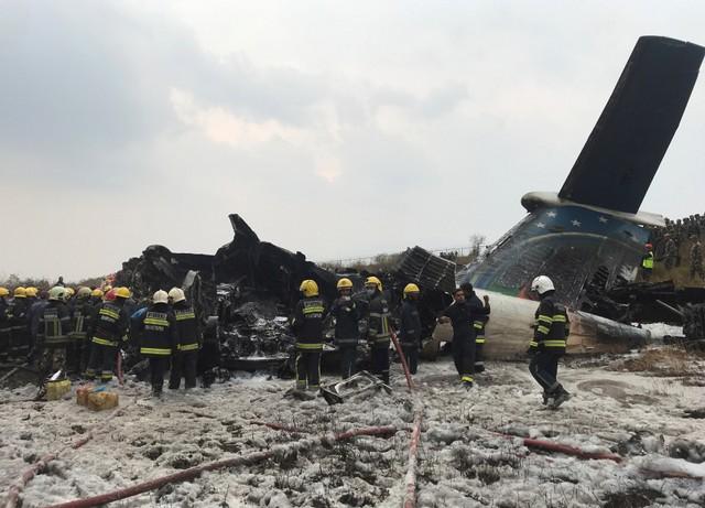 УКатманду розбився пасажирський лайнер: з'явилися фото і відео