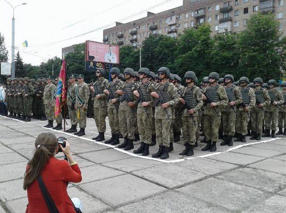 Появились фото ивидео, как вМариуполе отмечают годовщину освобождения отбоевиков