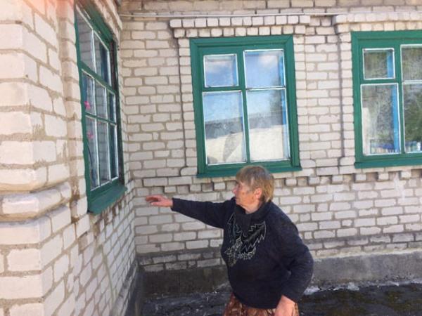 Боевики обстреляли два села вВолновахском районе, повреждены подстанция иобщежитие