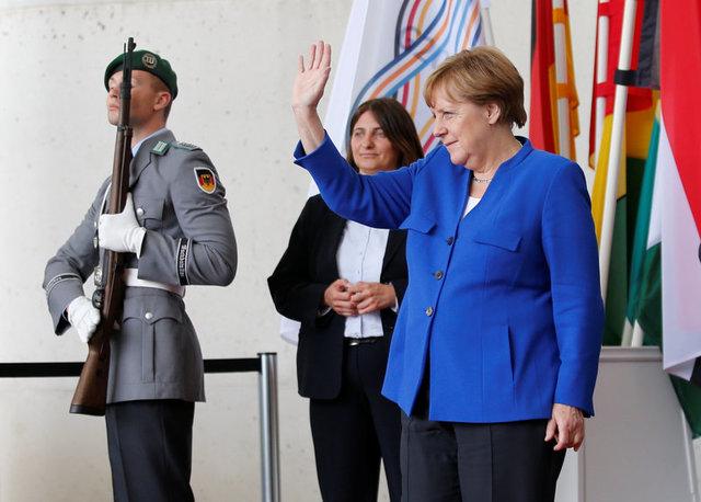 Меркель просит посодействовать африканским странам