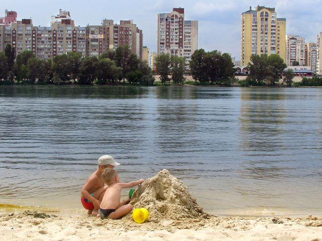 Киян попередили про небезпеку купання навсіх столичних пляжах